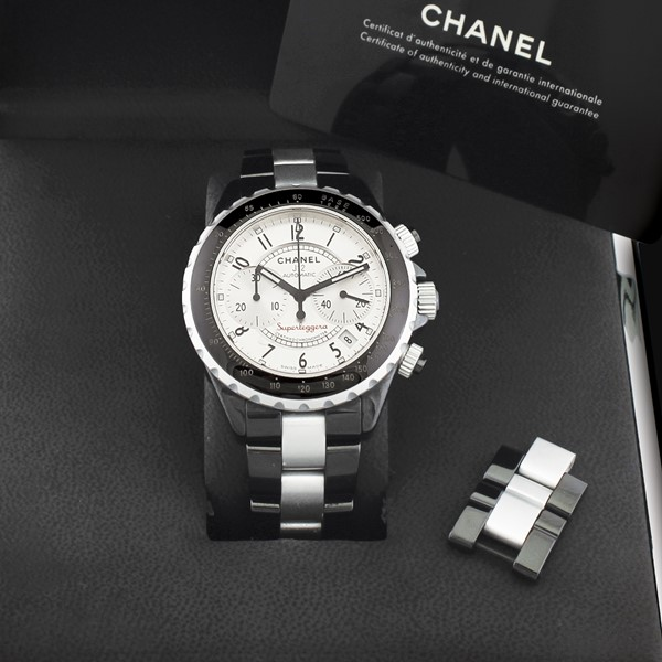 "Chanel : ""J12 Superleggero""  - Asta Orologi Vintage e Moderni - International Art Sale - Casa d'Aste"